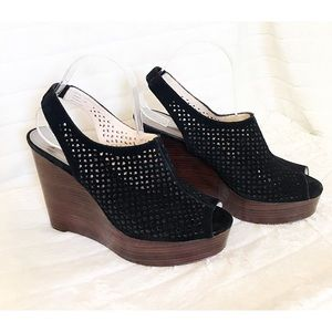COACH Sz 10B CHASITY Perforated Blk Stacked Wedge